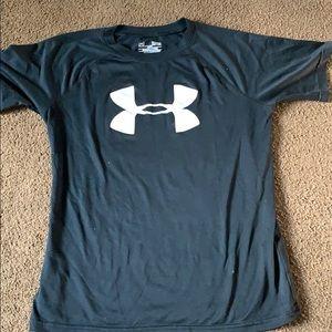 Boys large Under Armour black T shirt